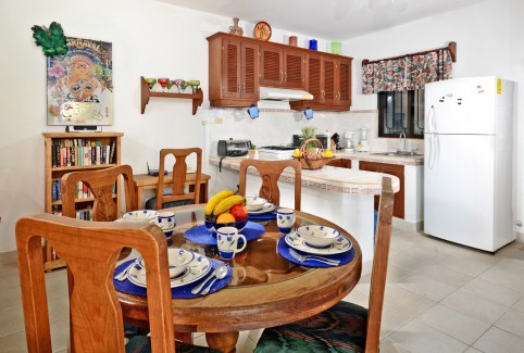 Cozumel vacation rental dining area and kitchen