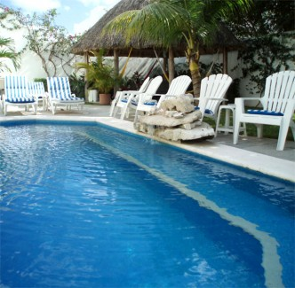 Cozumel vacation rental pool and fountain