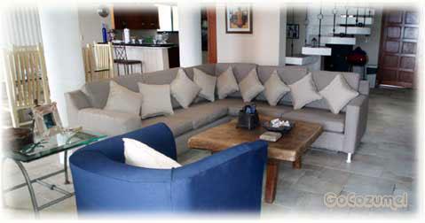 Villa Coronado living area. Cozumel private vacation villa for rent