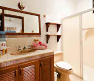 Cozumel vacation rent villa bath
