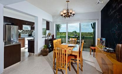 Cozumel vacation rental condo dining room