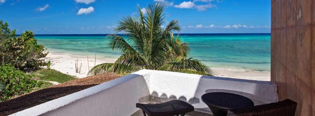 Beachfront vacation villa rental on Cozumel