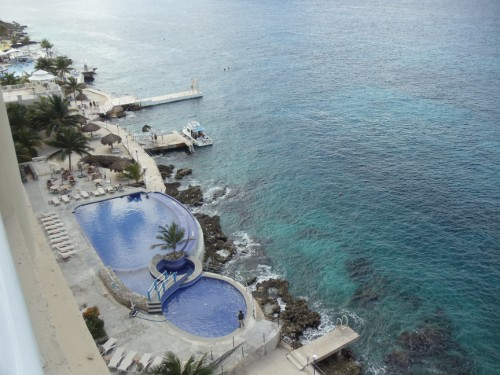 Cozumel oceanfront vacation condo for rent