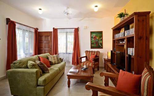 Cozumel vacation condo living area