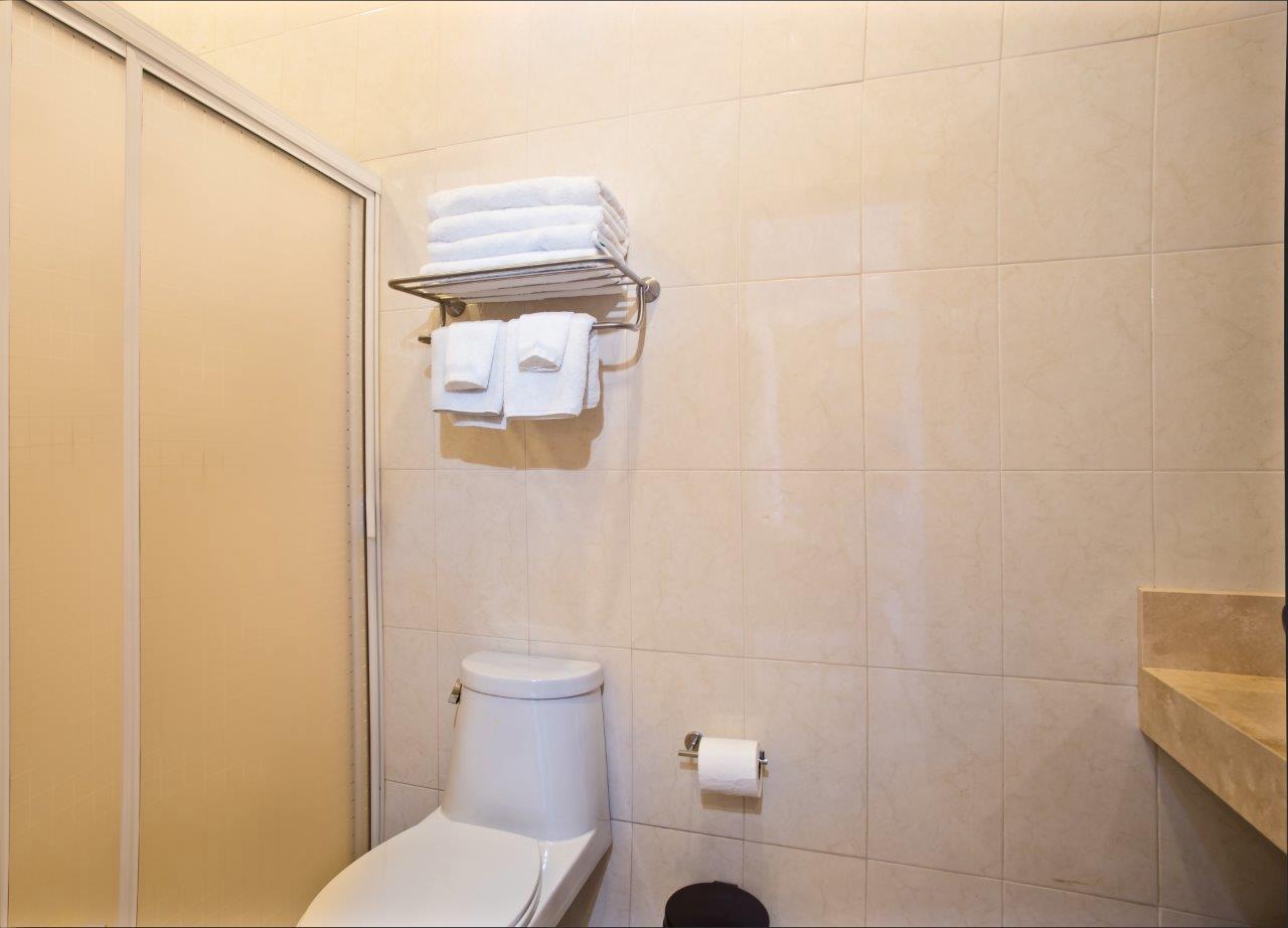 Studio Paz bathroom with shower