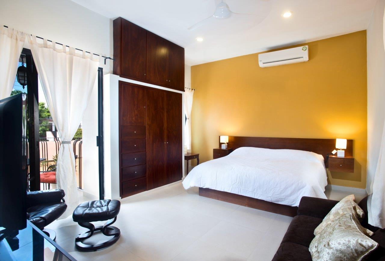 Studio Paz king size bed