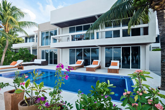 Cozumel beachfront vacation villa rental