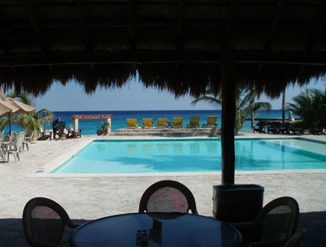 Swimming pool at Buccanos Beach Club Cozumel