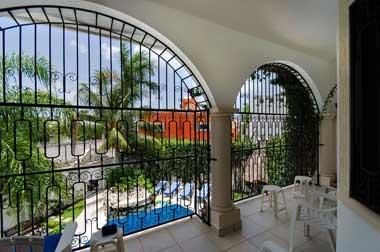 Villa Caballitos on Cozumel - upstairs terrace
