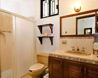 One of the full bathrooms at Villa Caballitos Cozumel, Mexico