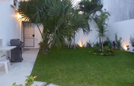 Villa Caballitos vacation villa rental garden