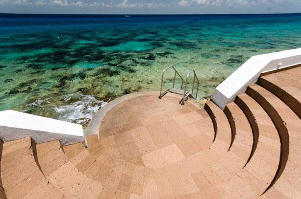 Entry to ocean at Palmas Reales