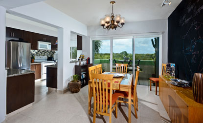 Cozumel vacation rental condo dining room