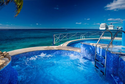 Cozumel vacation rental oceanfront jacuzzi