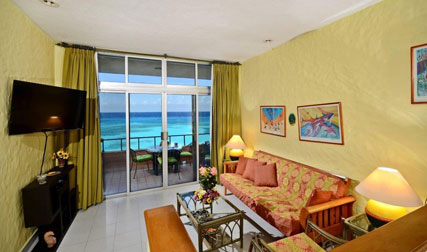 Living area and ocean view from Cantamar 201