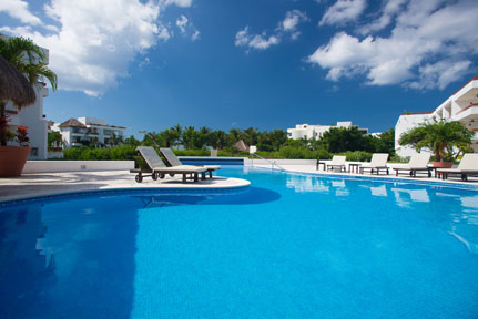 Cozumel beach area vacation rental condos