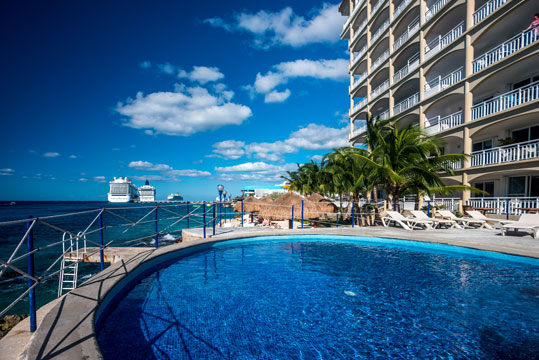 Cozumel Mexico condo swimming pool - El Cantil
