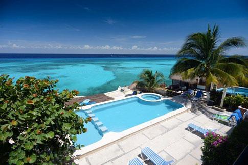 Cantamar oceanfront condo vacation rental pool