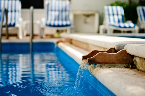 Cozumel condo rental pool
