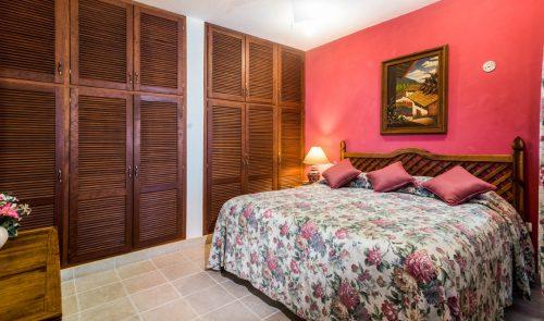 Cozumel vacation villa- king size bed