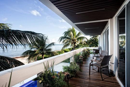 Beachfront Cozumel vacation villa for rent