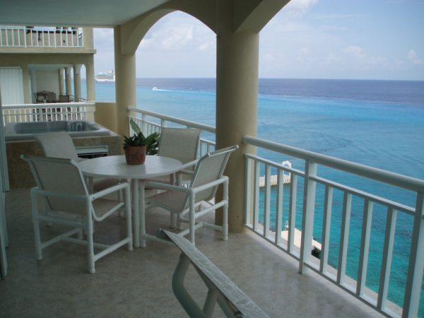 Luxury oceanfront condo for rent